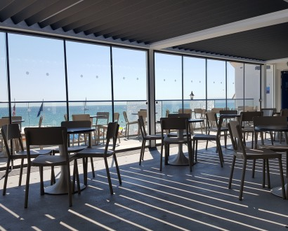 sliding-glass-system-for-bournemouth-oceanarium